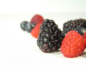 mixed-berries-isolated-293836-m