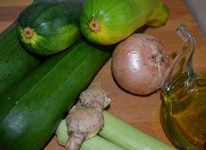Ingredientes de la crema de calabacín con cañamo