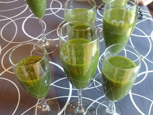 batido verde de acelgas y melocotón
