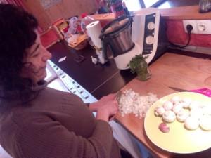 mentxu da vinci elaborando pate de champiñones