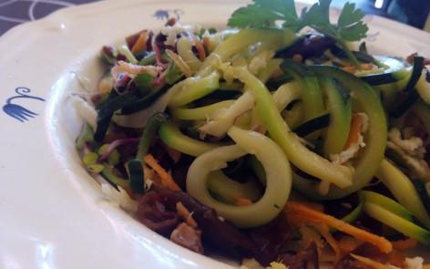 Espagueti de calabacín con alga cochayuyo