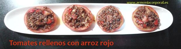 tomates rellenos con arroz rojo