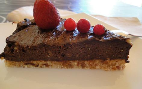 pastel de chocolate crudivegano