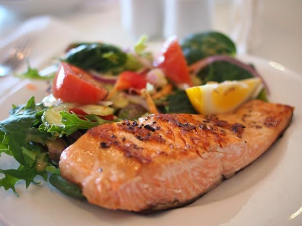 La dieta pegan y la paleo incluyen cantidades moderadas de proteína animal
