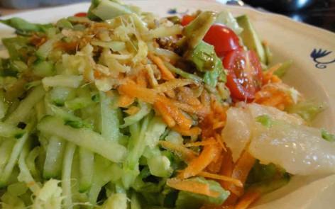 ensalada con fermentados y super aliño de mostaza