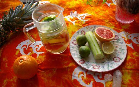 bebida-detox-con-citricos-pepino-y-menta